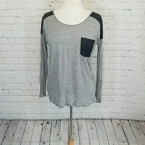 Kensie Gray top w/faux leather